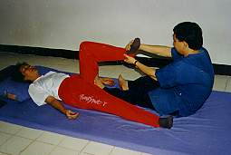 Ancient Thai Massage, Chiang Mai, Northern Thailand (Siam Sun Tours, Chiang Mai, Northern Thailand) cnx061_1.jpg (7138 Byte)