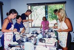 Thai Cookery School in Chiang Mai, Northern Thailand (Siam Sun Tours Switzerland, Chiang Mai, Northern Thailand) cnx062_1.jpg (16864 Byte)